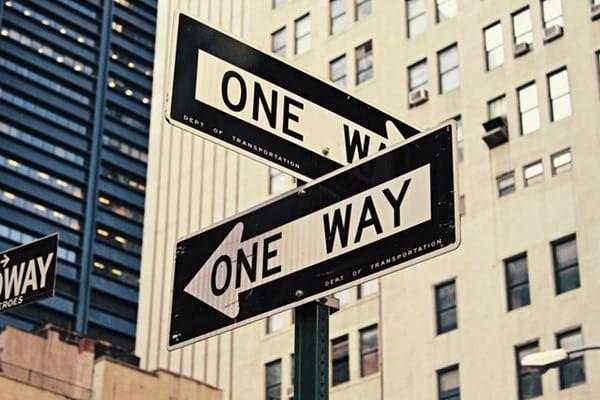 2 panneaux de circulation américain one way